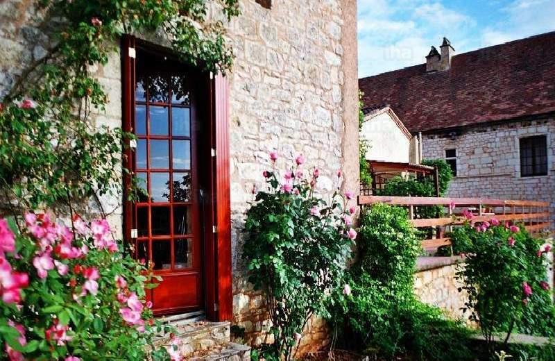 Гостевые-комнаты-bed-and-breakfast-Монкабрие-Atelier-de-la-Rose_2