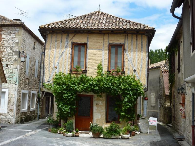 026_Issigeac_(Dordogne)_Vieille_maison