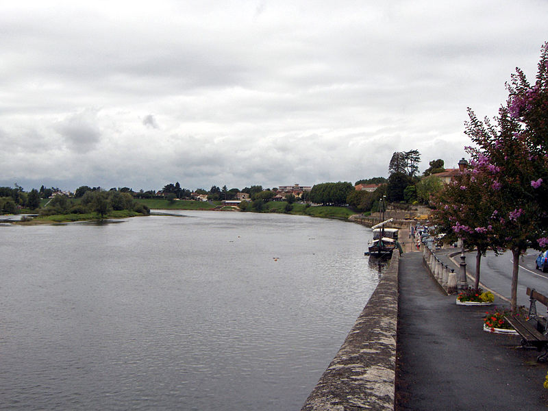 800px-La_Dordogne
