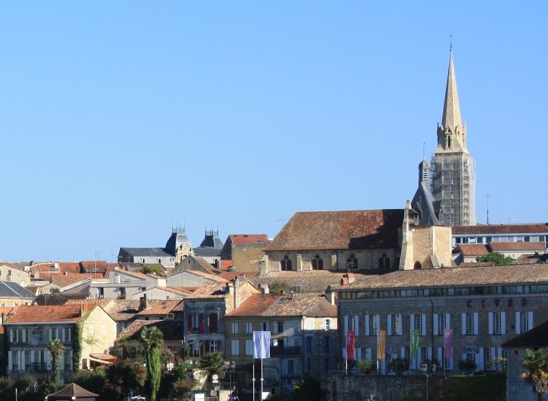 Vieux_pont_à_Bergerac_2010_11