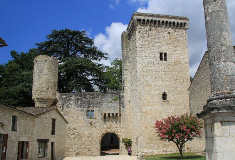 chateau-de-eymet-24_a